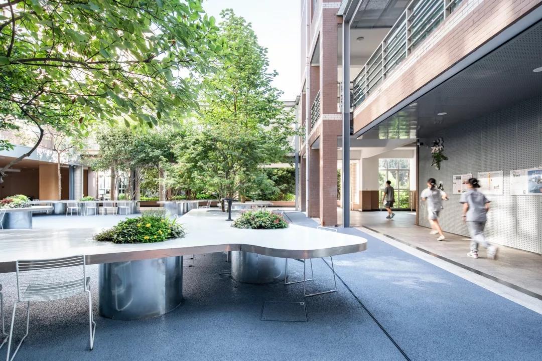 最受欢迎的非正式学习空间 - 树桌花园8.webp.jpg
